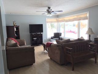 Photo 5: 10 Belmont Drive in St. Albert: House for rent