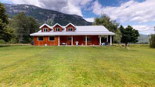 Photo 5: 8354 PEMBERTON MEADOWS Road in Pemberton: Pemberton Meadows House for sale : MLS®# R2478723