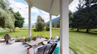 Photo 3: 8354 PEMBERTON MEADOWS Road in Pemberton: Pemberton Meadows House for sale : MLS®# R2478723