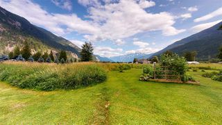 Photo 7: 8354 PEMBERTON MEADOWS Road in Pemberton: Pemberton Meadows House for sale : MLS®# R2478723
