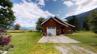 Photo 4: 8354 PEMBERTON MEADOWS Road in Pemberton: Pemberton Meadows House for sale : MLS®# R2478723