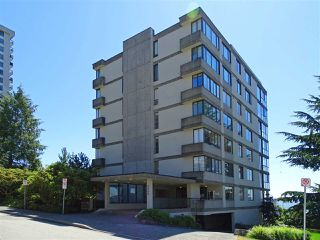 "Photo 23: 302 2090 ARGYLE Avenue in West Vancouver: Dundarave Condo for sale in ""Navvy Jack East"" : MLS®# R2481385"