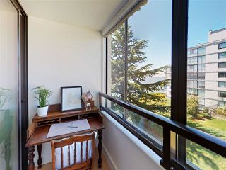 "Photo 18: 302 2090 ARGYLE Avenue in West Vancouver: Dundarave Condo for sale in ""Navvy Jack East"" : MLS®# R2481385"