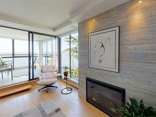"Photo 2: 302 2090 ARGYLE Avenue in West Vancouver: Dundarave Condo for sale in ""Navvy Jack East"" : MLS®# R2481385"