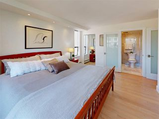 "Photo 16: 302 2090 ARGYLE Avenue in West Vancouver: Dundarave Condo for sale in ""Navvy Jack East"" : MLS®# R2481385"