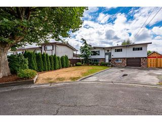 Photo 2: 46480 HURNDALL Crescent in Chilliwack: Chilliwack E Young-Yale House for sale : MLS®# R2489188