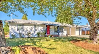 Main Photo: 861 Colonia Dr in : Du Ladysmith Single Family Detached for sale (Duncan)  : MLS®# 855486