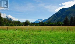 Photo 9: 944 MACKENZIE HIGHWAY in Bella Coola: House for sale : MLS®# R2482254