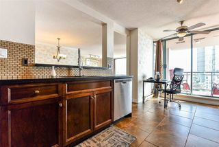 """Photo 5: 801 8 LAGUNA Court in New Westminster: Quay Condo for sale in """"The Excelsior"""" : MLS®# R2506687"""