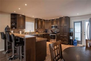 Photo 7: 731 Swailes Avenue in Winnipeg: Garden City Residential for sale (4F)  : MLS®# 202026862