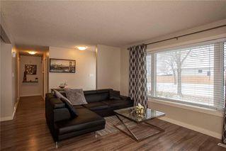 Photo 5: 731 Swailes Avenue in Winnipeg: Garden City Residential for sale (4F)  : MLS®# 202026862