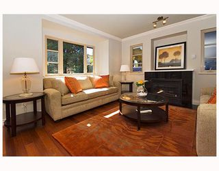 Photo 2: 3259 W 2ND Avenue in Vancouver: Kitsilano House 1/2 Duplex for sale (Vancouver West)  : MLS®# V682512