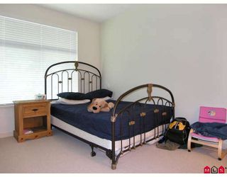 """Photo 4: 410 33318 BOURQUIN Crescent in Abbotsford: Central Abbotsford Condo for sale in """"NATURES GATE"""" : MLS®# F2801735"""