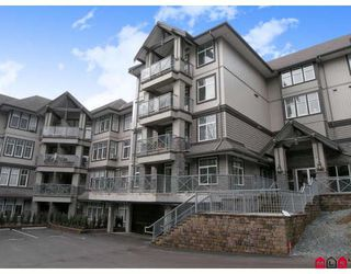 "Photo 1: 410 33318 BOURQUIN Crescent in Abbotsford: Central Abbotsford Condo for sale in ""NATURES GATE"" : MLS®# F2801735"