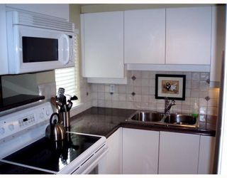 """Photo 4: 1555 MARINER Walk in Vancouver: False Creek Townhouse for sale in """"LAGOONS"""" (Vancouver West)  : MLS®# V696953"""