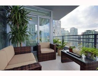 Photo 9: # 2201 1205 W HASTINGS ST in Vancouver: Condo for sale : MLS®# V758572