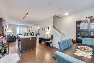Photo 11: 59 2495 DAVIES Avenue in Port Coquitlam: Central Pt Coquitlam Townhouse for sale : MLS®# R2404268