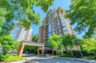 "Photo 1: 1402 5615 HAMPTON Place in Vancouver: University VW Condo for sale in ""THE BALMORAL"" (Vancouver West)  : MLS®# R2436676"