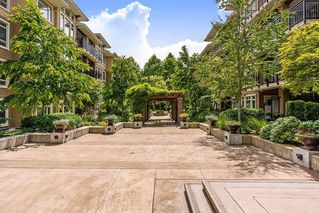 Photo 18: 409 1975 154 STREET in Surrey: King George Corridor Condo for sale (South Surrey White Rock)  : MLS®# R2466008