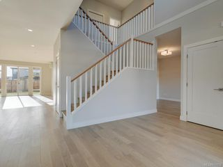Photo 6: 2137 Deerbrush Cres in North Saanich: NS Bazan Bay House for sale : MLS®# 810674