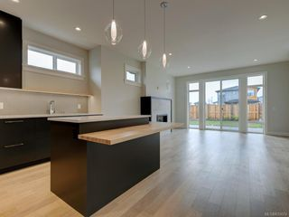 Photo 14: 2137 Deerbrush Cres in North Saanich: NS Bazan Bay House for sale : MLS®# 810674