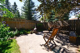 Photo 27: 7 WHITE OAK Crescent SW in Calgary: Wildwood Detached for sale : MLS®# A1021618
