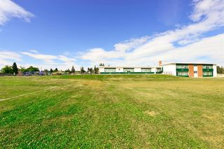 Photo 34: 7 WHITE OAK Crescent SW in Calgary: Wildwood Detached for sale : MLS®# A1021618