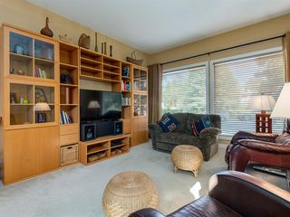 Photo 4: 226 SILVER MEAD Crescent NW in Calgary: Silver Springs Detached for sale : MLS®# A1025505