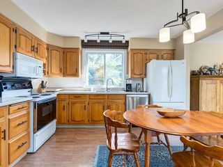 Photo 13: 226 SILVER MEAD Crescent NW in Calgary: Silver Springs Detached for sale : MLS®# A1025505