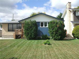 Photo 2: 30 Sage Crescent in Winnipeg: Crestview Residential for sale (5H)  : MLS®# 202021343