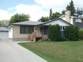Photo 1: 30 Sage Crescent in Winnipeg: Crestview Residential for sale (5H)  : MLS®# 202021343
