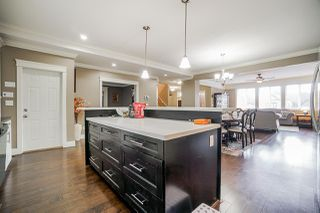 Photo 10: 7116 177A Street in Surrey: Cloverdale BC House for sale (Cloverdale)  : MLS®# R2508432