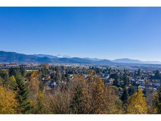 Photo 9: 7816 DUNSMUIR Street in Mission: Mission BC House for sale : MLS®# R2512120