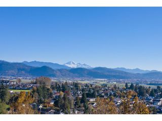 Photo 10: 7816 DUNSMUIR Street in Mission: Mission BC House for sale : MLS®# R2512120