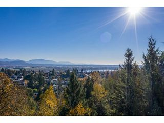Photo 12: 7816 DUNSMUIR Street in Mission: Mission BC House for sale : MLS®# R2512120