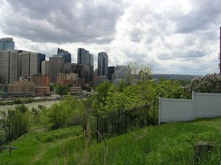Photo 18: 408 316 1 Avenue NE in Calgary: Crescent Heights Apartment for sale : MLS®# A1048365
