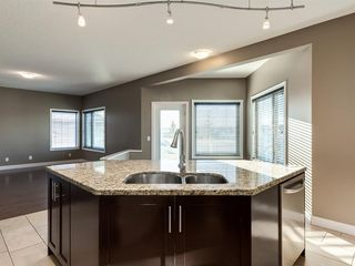 Photo 7: 64 Simcoe Close SW in Calgary: Signal Hill Detached for sale : MLS®# A1058933
