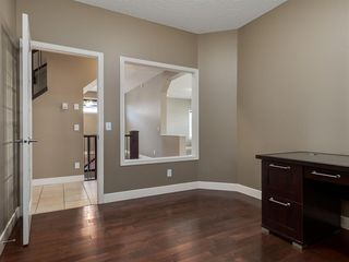 Photo 18: 64 Simcoe Close SW in Calgary: Signal Hill Detached for sale : MLS®# A1058933
