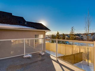 Photo 13: 64 Simcoe Close SW in Calgary: Signal Hill Detached for sale : MLS®# A1058933