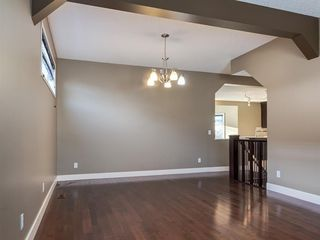 Photo 17: 64 Simcoe Close SW in Calgary: Signal Hill Detached for sale : MLS®# A1058933