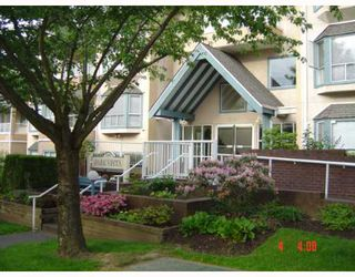 "Photo 1: 108 5568 BARKER Avenue in Burnaby: Central Park BS Condo for sale in ""PARK VISTA"" (Burnaby South)  : MLS®# V651205"