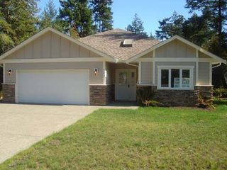 Photo 1: 602 STICKLEBACK ROAD in COMOX: Residential Detached for sale : MLS®# 242156