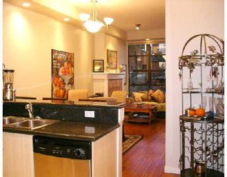 "Photo 6: 402 2226 W 12TH Avenue in Vancouver: Kitsilano Condo for sale in ""DESEO"" (Vancouver West)  : MLS®# V686187"
