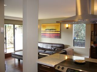 "Photo 4: 112 1424 WALNUT Street in Vancouver: Kitsilano Condo for sale in ""WALNUT PLACE"" (Vancouver West)  : MLS®# V707285"