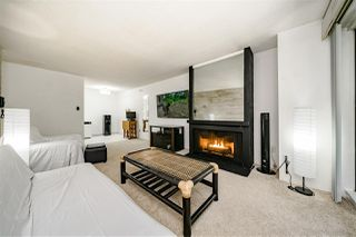 Photo 3: 205 110 SEVENTH Street in New Westminster: Uptown NW Condo for sale : MLS®# R2392697