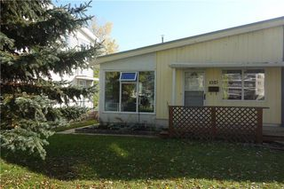 Photo 1: 954 Renfrew Bay in Winnipeg: River Heights Residential for sale (1D)  : MLS®# 1927714