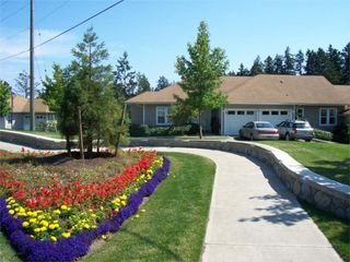Photo 2: 315 Six Mile Rd in Victoria: Residential for sale (18)  : MLS®# 266080