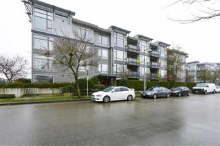 "Photo 2: 311 14100 RIVERPORT Way in Richmond: East Richmond Condo for sale in ""Waterstone Pier"" : MLS®# R2437106"