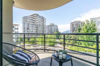 "Photo 1: 405 124 W 1ST Street in North Vancouver: Lower Lonsdale Condo for sale in ""Q"" : MLS®# R2458347"