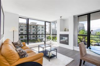 "Photo 2: 405 124 W 1ST Street in North Vancouver: Lower Lonsdale Condo for sale in ""Q"" : MLS®# R2458347"